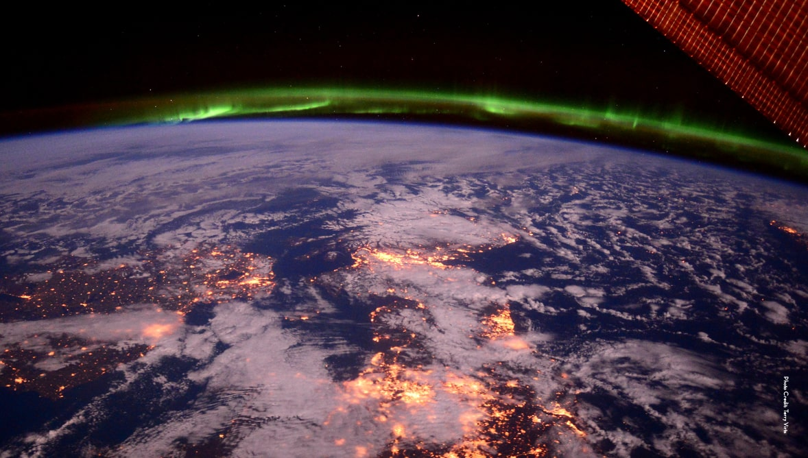 Image of the earth and the northern lights from the international space station